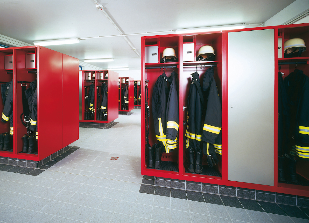 Szafy dla strażaków - producent C+P. Sklep Valorous.pl.jpg